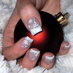 Новогодний дизайн ногтей с френчем фото