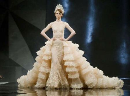 modnie-svadebnie-patya-so-shleifom-foto