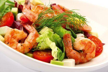 salat-s-korolevskimi-krevetkami