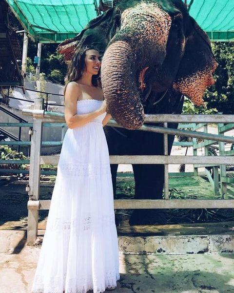 Анна Седокова заинтриговала снимком в свадебном платье (ФОТО)