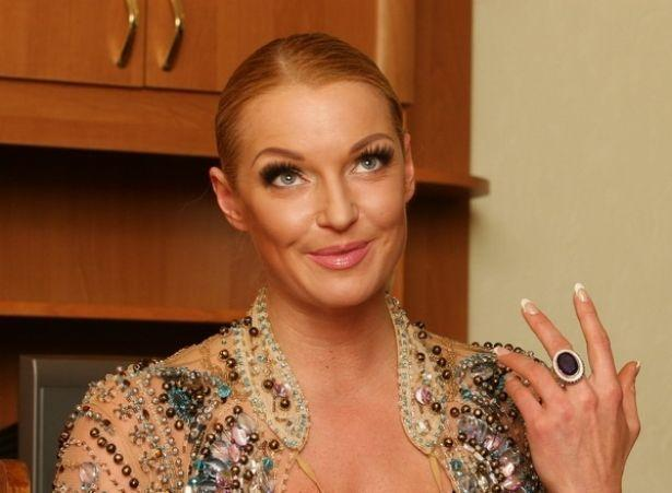 Пошел на попятную: униженный любовник Анастасии Волочковой отрицает, что был на интимных фото с балериной