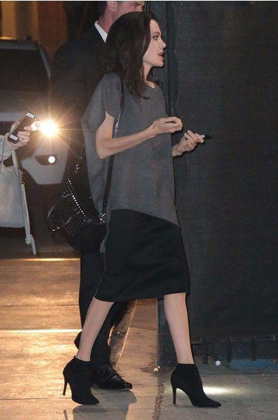 Анджелина Джоли вновь удивила безвкусным нарядом