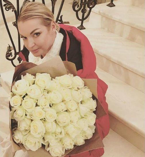 Счастлива и любима: Волочкова рассказала о новом мужчине