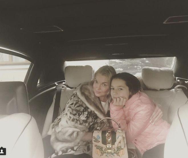 Волочкова купила фейковую сумку Gucci и похвасталась в Instagram