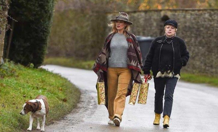 Больше не супер: Кейт Мосс превратилась в настоящую пышку