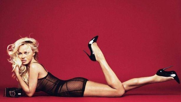 Молодухи, подвиньтесь: 50-летняя Памела Андерсон взбудоражила сверхоткровенной фотосессией (ФОТО)