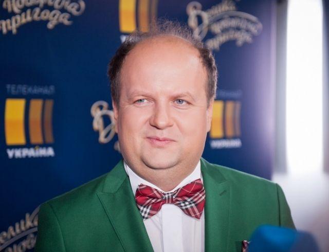 """Лидер группы """"ТІК"""" Виктор Бронюк рассказал о новогодних традициях: """"Не люблю готовить оливье"""""""