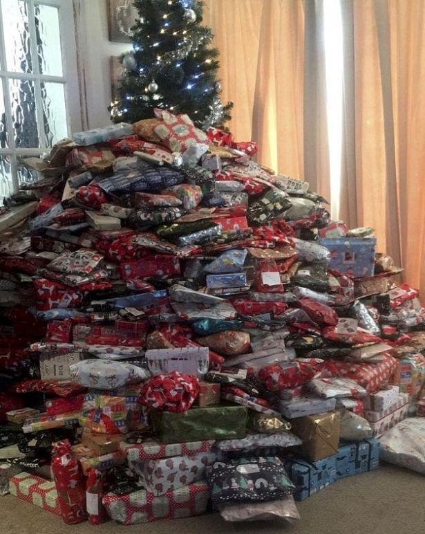 Санта бы надорвался: американка купила 300 подарков для своих детей на Рождество (ФОТО)