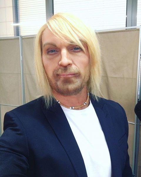 Замахнулся на святое: пародия Виталия Козловского на Олега Винника стала хитом в Сети