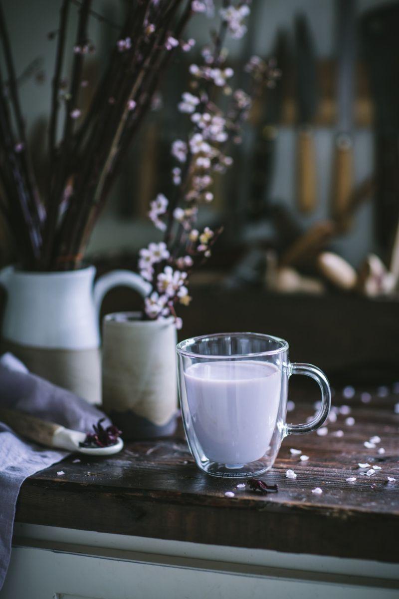 Страшная правда: молоко, которое нас убивает (антибиотики, гормоны, гной)