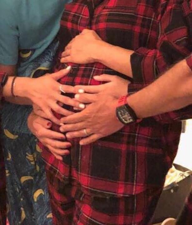 Беременная Ева Лонгория впервые показала округлившийся живот (ФОТО)