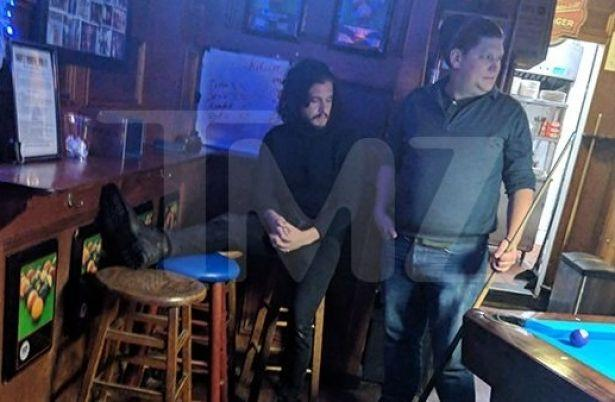 """Звезда """"Игры престолов"""" Кит Харингтон устроил пьяный дебош в баре"""