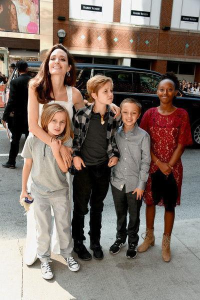 Воскресный папа: как звезды общаются с детьми после развода