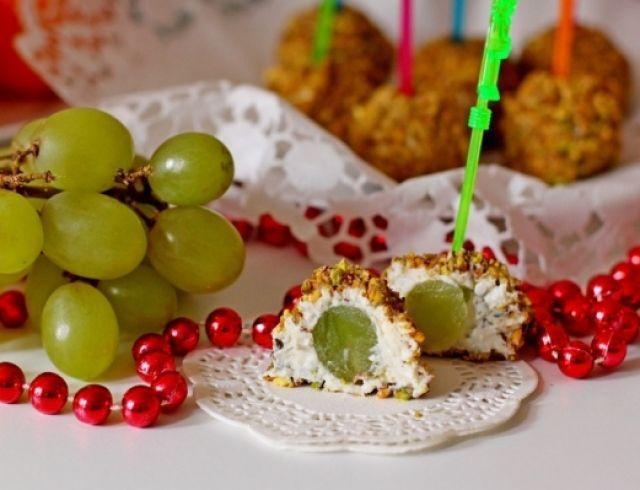 Рождественское меню: оригинальный рецепт винограда в сырной шубке от Асмик Гаспарян