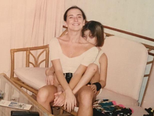 Сестра Жанны Фриске поделилась эксклюзивными фото покойной сестры