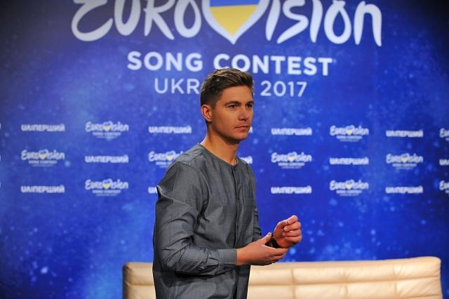 Владимир Остапчук спел песню Олега Винника в интервью (+ВИДЕО)