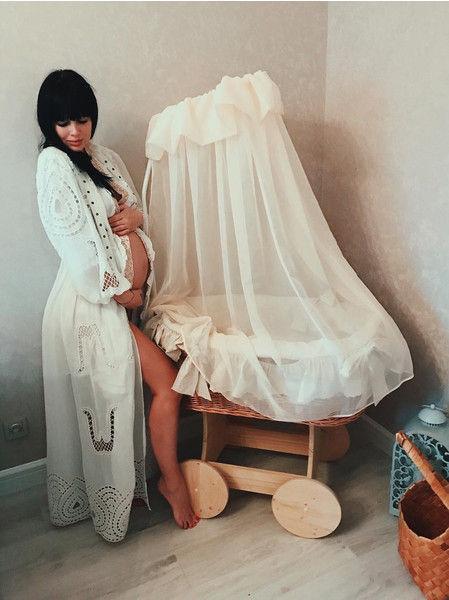 Звезда «Дома-2» Нелли Ермолаева стала мамой и показала малыша