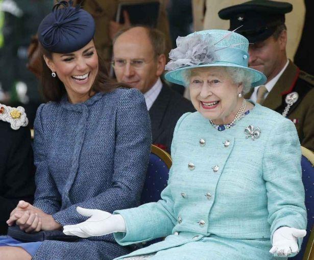 Вот это удивила: королева Елизавета II взяла в аренду участок в Киеве