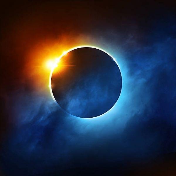 Солнечное затмение 15 февраля: техники для счастья знакам Зодиака от астропсихолога Марии Волиной