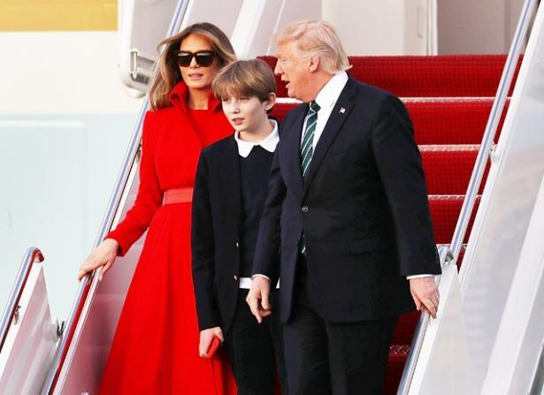 Развода не будет: стало известно, почему Мелания Трамп простила измены мужу