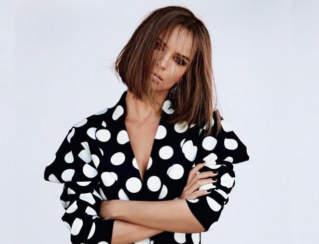 Голая Эмили Ратаковски в новой фотосессии для журнала Vanity Fair (ФОТО)