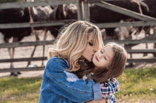 """LOBODA поведала об отношениях с бывшим гражданским мужем: """"Растить ребенка без папы тяжело"""""""