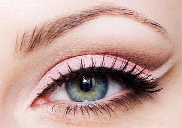 Необычные способы рисовать стрелки на глазах