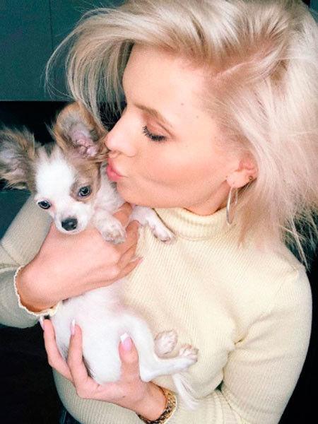 Почему Шульгина все свободное время проводит с собакой