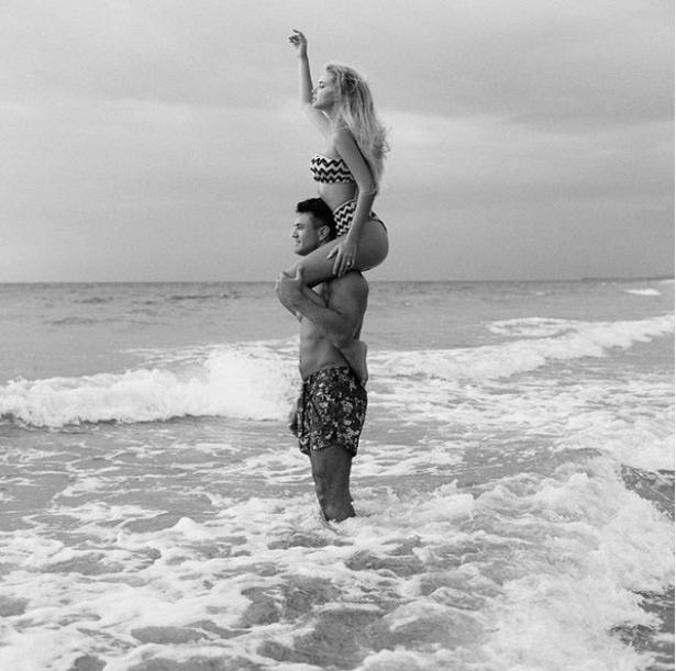 Николай Тищенко поделился романтическим фото с женой