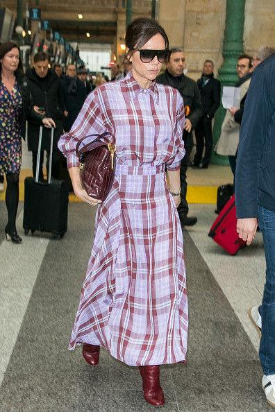Виктория Бекхэм надела платье из клетчатой челночной сумки