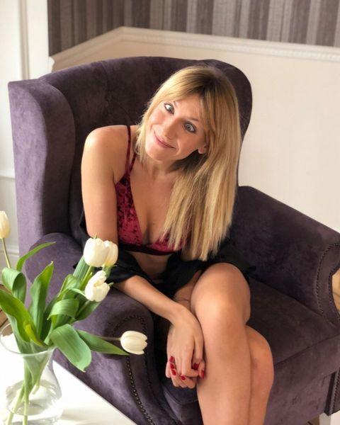 Леся Никитюк поразила пикантными фото и признанием в любви, на которые отреагировал Виталий Козловский (ФОТО)