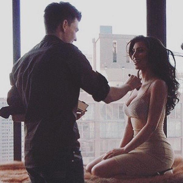 Кардашьян показала фото с маленькой грудью и плоской попой