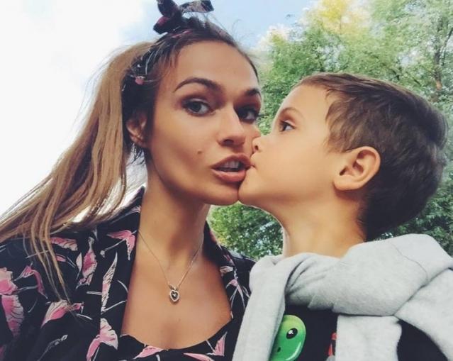 Алена Водонаева выгнала кота из-за ребенка