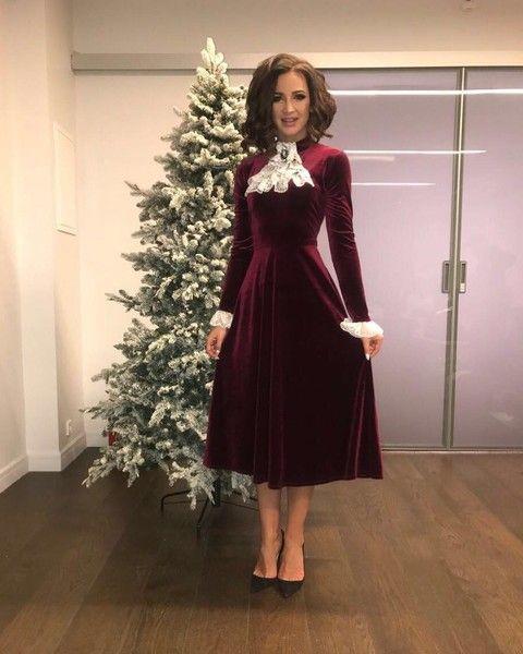 Девочка-пай: 10 самых скромных платьев Бузовой
