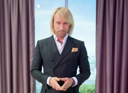 Олег Винник рассказал о сложном уходе за своими шикарными волосами