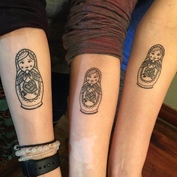 Дань сестринству: лучшие примеры sister tatoo для тебя и твоей подруги