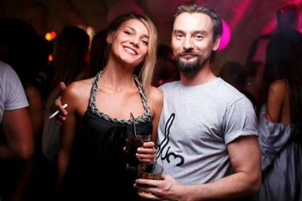 Продюсер Макса Барских прокомментировал новость о беременности Миши Романовой