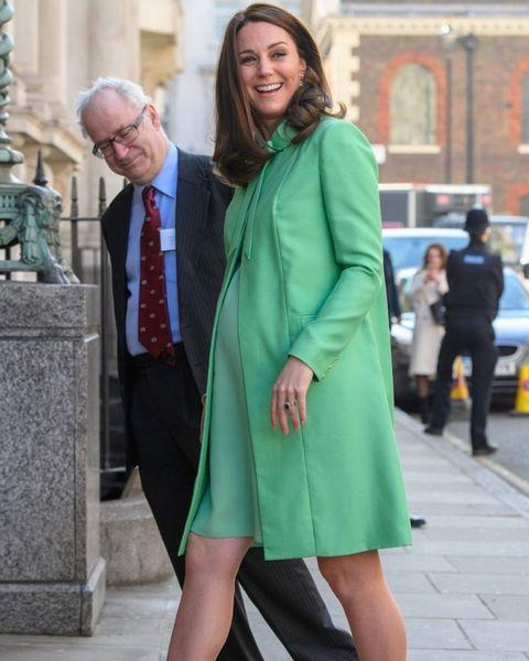 Cветские хроникеры определили пол ребенка Кейт Миддлтон по форме ее животика