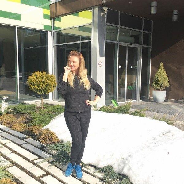 Не узнать: Анна Семенович похудела в самых неожиданных местах