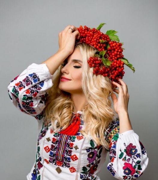 День вышиванки 2018: Ольга Сумская, Санта Димопулос, Катя Осадчая, Ирина Федишин и другие звезды в вышиванках