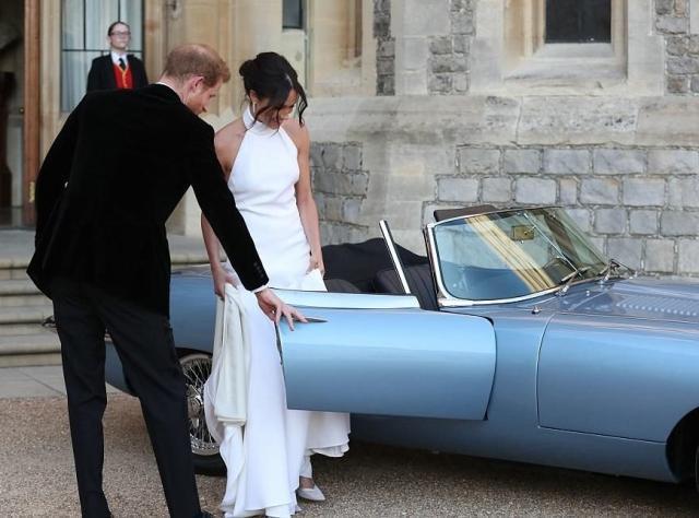 Королевская свадьба: вечерний выход Меган Маркл и принца Гарри (ФОТО+ВИДЕО)