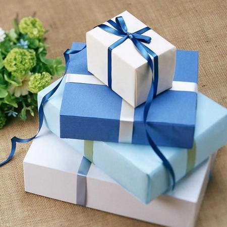Что подарить на день рождения и как оформить