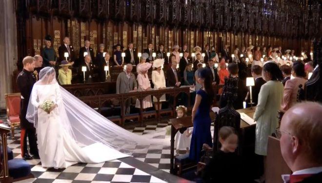 Первое фото Меган Маркл в свадебном платье платье