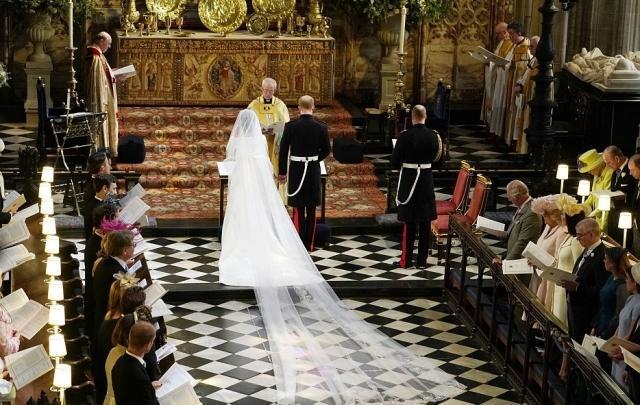 Меган Маркл и принц Гарри поженились: ФОТО