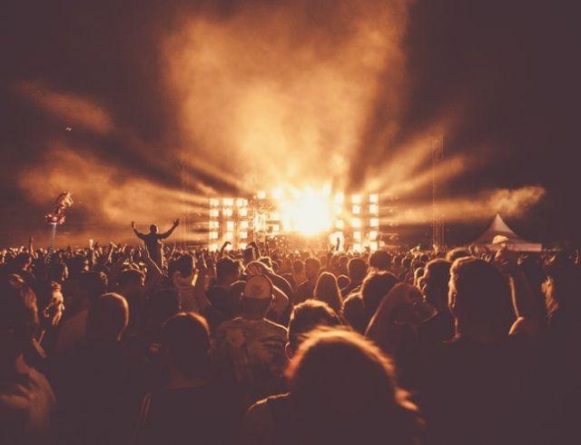 Почему все массово продают билеты на Atlas Weekend 2018?