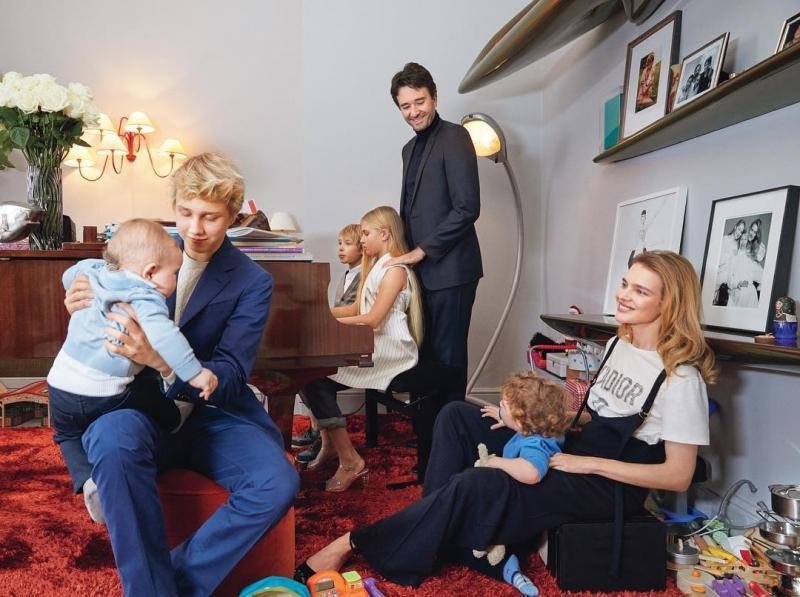 Трое и больше: ко Дню защиты детей вспоминаем многодетные звездные семьи
