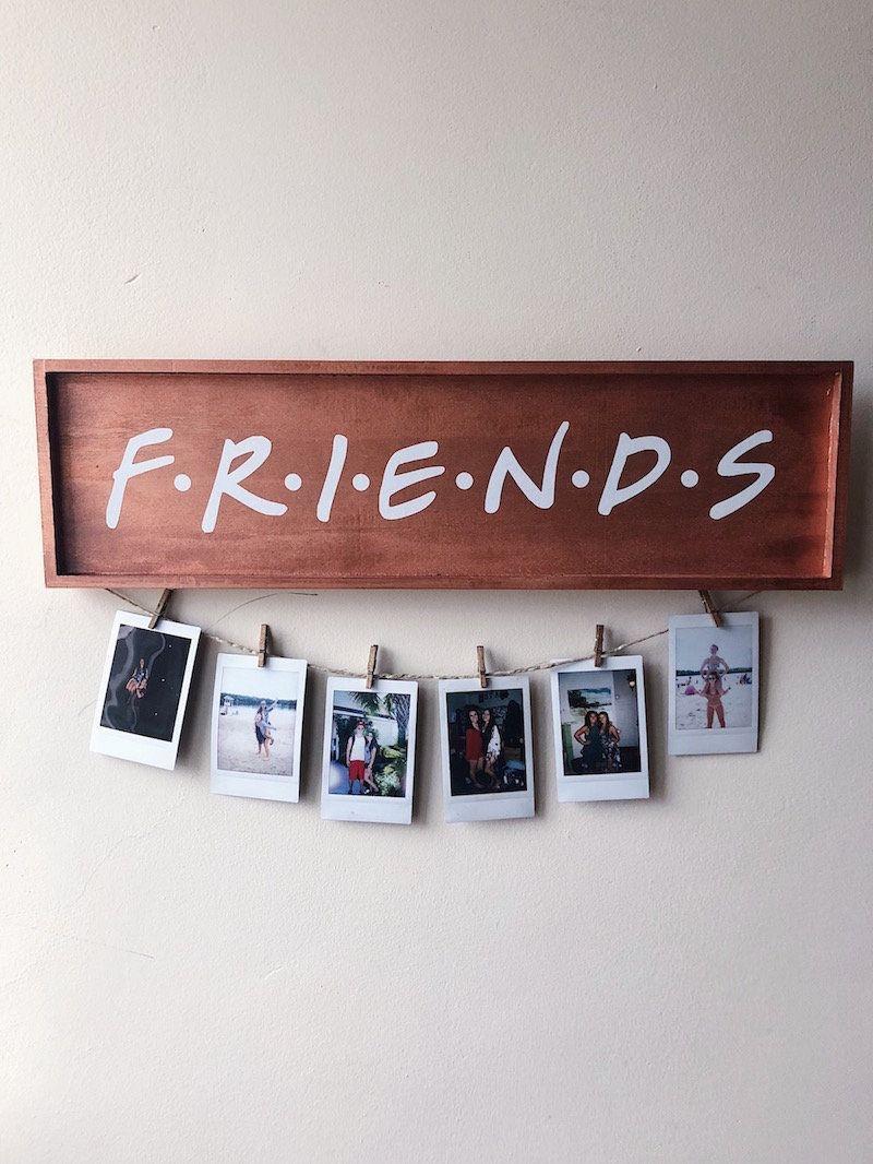 К Международному дню друзей вспоминаем друзей среди звезд: Питт и Клуни, Хабенский и Пореченков, Ди Каприо и Уинслет и другие