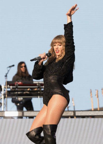 Мощные ляжки: Тейлор Свифт скоро станет plus-size