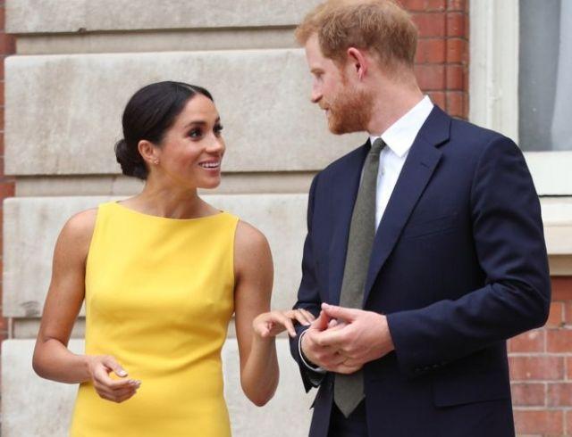 Меган Маркл и принц Гарри обратились к поклонникам с благодарностью за свадебные поздравления