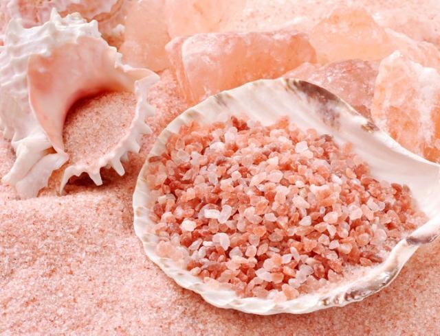 Гималайская розовая соль: полезные свойства и применение